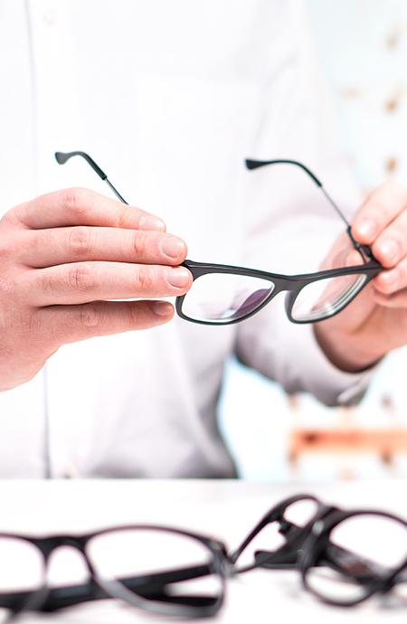 Conseils de votre opticien à Seclin pour choisir vos lunettes