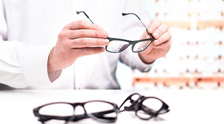 Vente de lunettes pour homme à Seclin - Opticien Seclin Optic